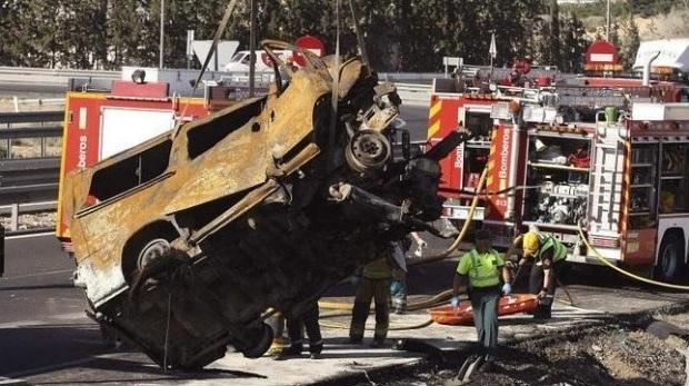 Opt români au murit într-un accident rutier în Alicante