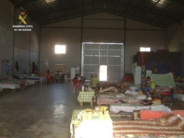 30 de români exploatați de doi compatrioți în Albacete