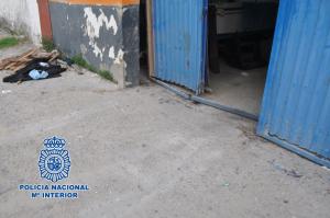 Bunuri de peste 800.000 euro furate de o grupare condusă de trei români
