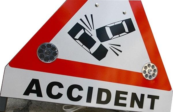 Patru români au murit şi alți trei au fost răniți într-un accident produs în Cehia