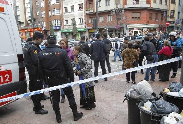 VIDEO!Două familii de romi s-au luat la bătaie în Oviedo. Vezi care a fost deznodământul