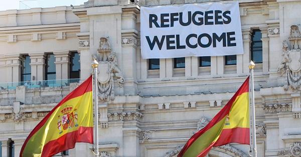 După câteva luni de ezitări, Spania începe să primească refugiați