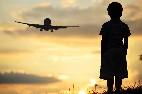 """Administrația Prezidențială: """"Situația copiilor ai căror părinți sunt plecați la muncă în străinătate este îngrijorătoare"""""""