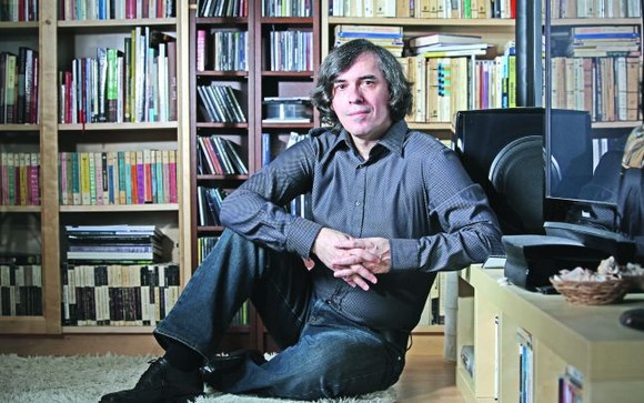 Mircea Cărtărescu, turneu literar în Spania. Volumul «De ce iubim femeile», tradus în catalană