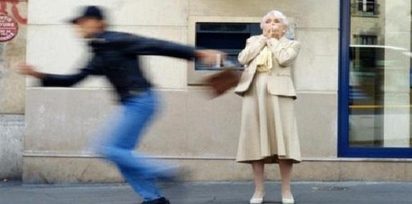 Spania. Au bătut două bătrâne în plină stradă. Români arestați pentru tâlhărie