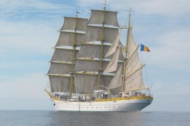 """Nava școală """"Mircea"""" se îndreaptă spre Spania"""