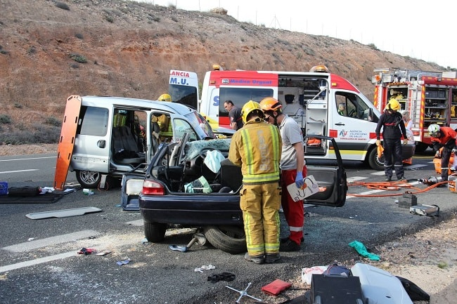 Tragedie pe o șosea din Spania. Patru români, morți într-un accident auto
