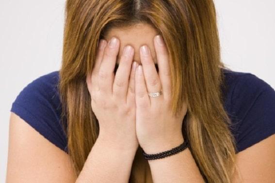 """Viol sau șantaj? O româncă suține că a fost violată de un cuplu. """"Au vrut să fiu mamă surogat"""""""