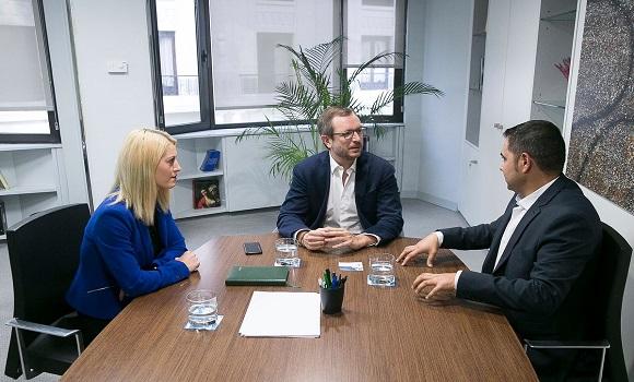 """Președintele PNL Spania s-a întâlnit cu vice-secretarul PP. """"Românii din Spania au nevoie de sprijin real"""""""