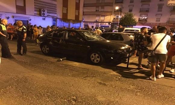 VIDEO.Panică în Huelva! Un bărbat a intrat cu mașina într-un grup de oameni aflați pe terasa unui bar. Două persoane grav rănite