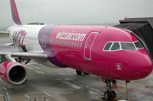 Probleme pe Aeroportul Otopeni. Piloții unei aeronave Wizz Air au ratat decolarea
