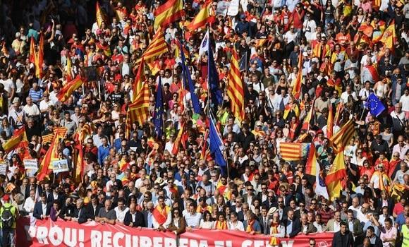 Corespondență specială din Barcelona. Sute de mii de spanioli și catalani, la o manifestație pentru integritatea Spaniei
