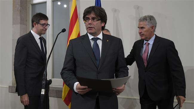 Spania. Liderul catalan, Carles Puigdemont își amână pentru marți discursul în plenul parlamentului regional