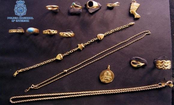 Spania. Expoziție cu bijuterii din aur furate de români