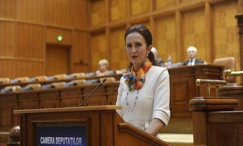 Ministrul propus pentru Românii de Pretutindeni, Natalia Intotero a primit aviz favorabil din partea comisiilor parlamentare